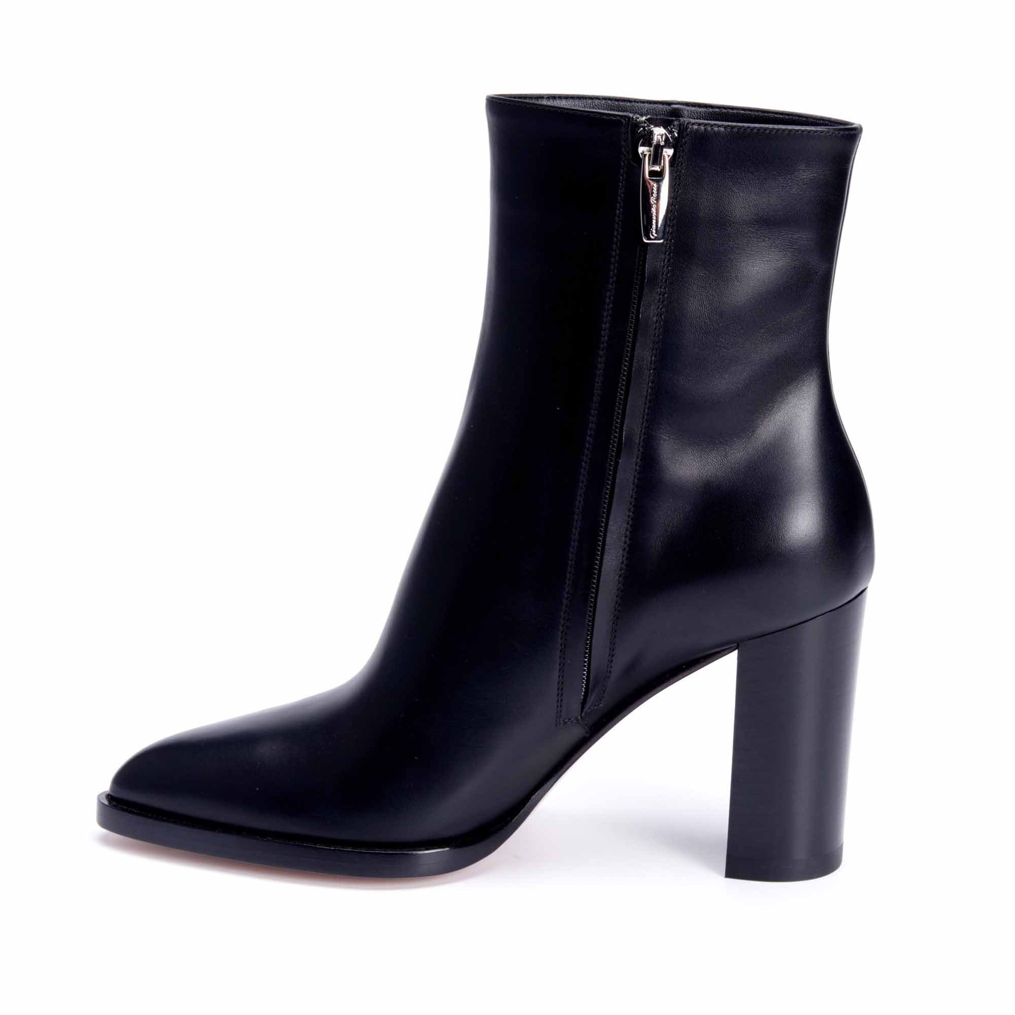 G73456 BOOTS NOIRES GIANVITO ROSSI